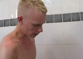 Twinks Shower and Bareback